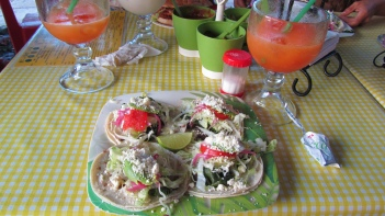 Good tacos at the zocalo in Palenque, 4 tacos for 25 pesos!