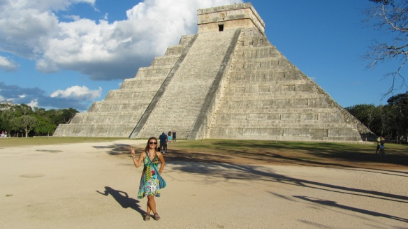 Me in front of the Kukulcan temple