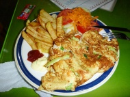 Señora Isabela prepared me some vegetarian omelette, salad and french fries. Really home-cooked!