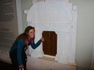 Knocking on a typical arequipeñan door.....