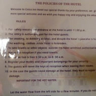 Hahhaa... such a funny note on the hotel door...