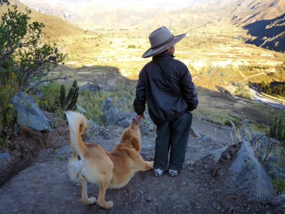 Jorge and his dog Body looking out over the valley where they live