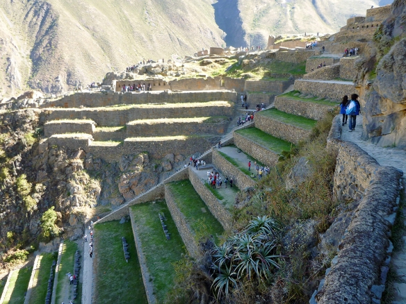 The stairs and the suntemple in Ollantaytambo (and nadja and facu)