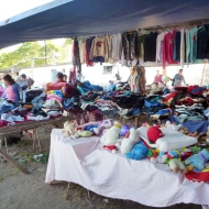 The american market, good second hand clothes!