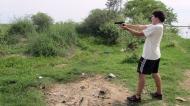 Trying Sebas gun!
