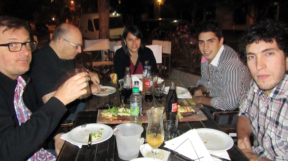 Having dinner together with Gustavo, german, Dana and Luciano. Such a great pizza!!!