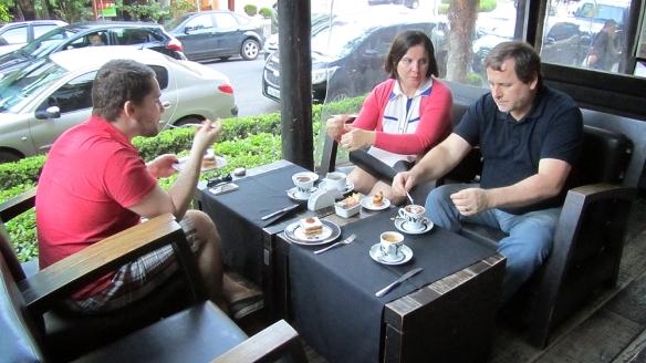 Having a coffebreak with Rafas family at a local gourmet café. Love!