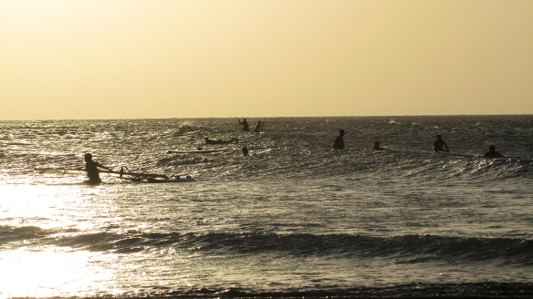 In the evening the surfers and the stand up paddlers comes out to play :)