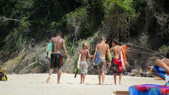 Haha. So cool little surfer guys.