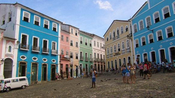 Colonial houses. this is the square were they hang the slaves before.
