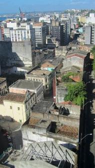 This neighborhood is abandoned and dangerous, in cidade baixa