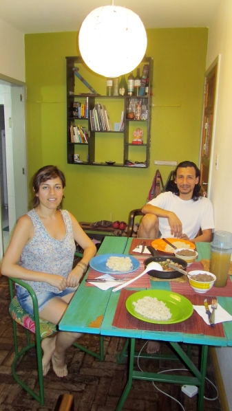 Having lunch with Vicky and Kike in their lovely appartment!