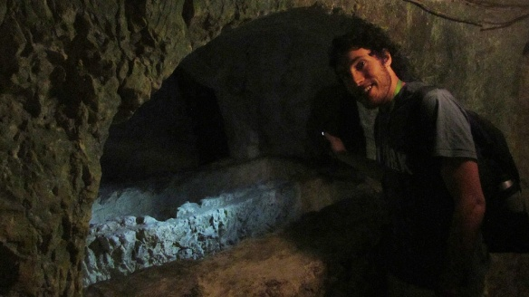 Discovering the many many graves in the catacombs