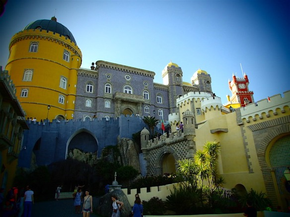 Castelo da Pena, colorful!