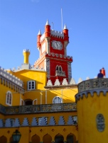 Love the red tower in Castelo De Pena!