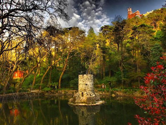 In the gardens of Castelo da Pena