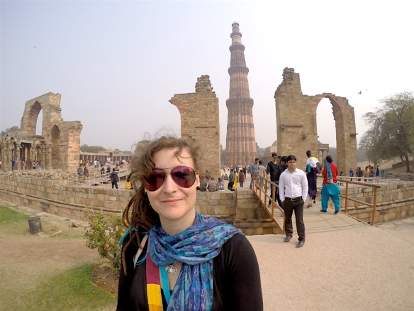 Me in front of Quitub Minar