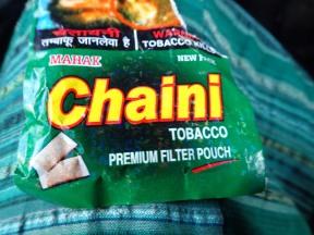 They have snus in India!! Chaini snus!!