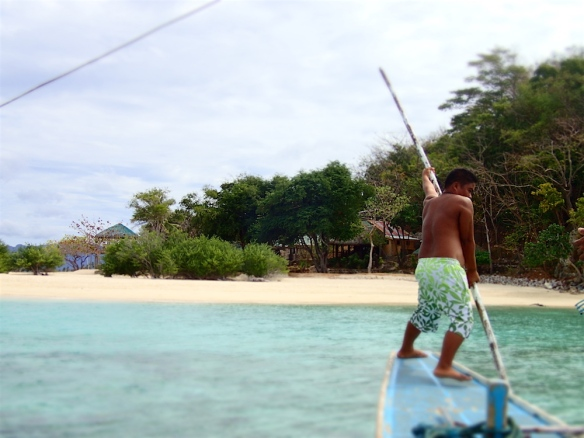 Our boatman approaching to Banana island