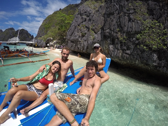 hanging out on the boat with Vicente and Valeria from Spain