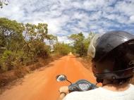 Passed a very red sand road. Feels like I'm in Goa again ;P