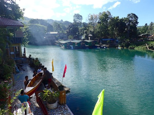 Morning view over the loboc river lake!